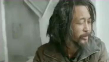 """上海""""流浪汉""""意外爆红背后真相:毁掉一个孩子,竟然这么简单!"""